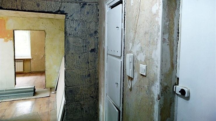 Mieszkanie pani Justyny było w stanie surowym /Polsat