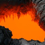 Mieszkaniec Hawajów wpadł do jaskini lawowej