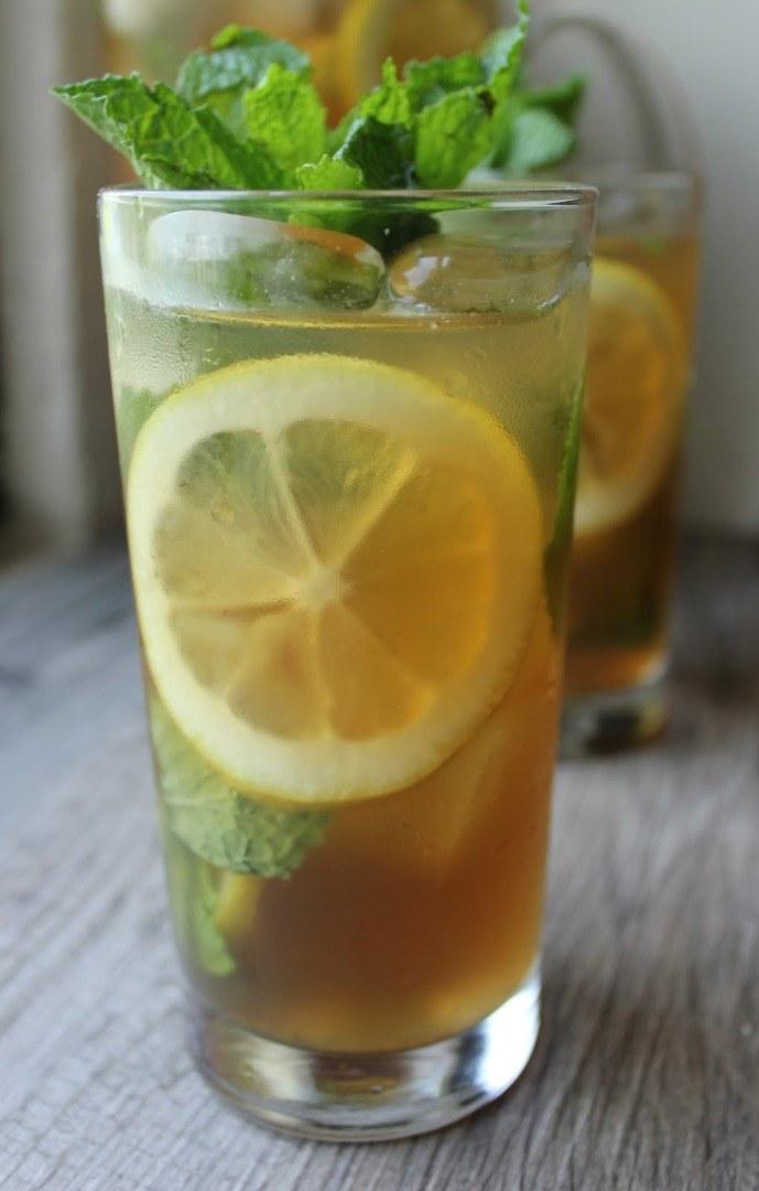 Miętowa herbata właściwości /© Photogenica
