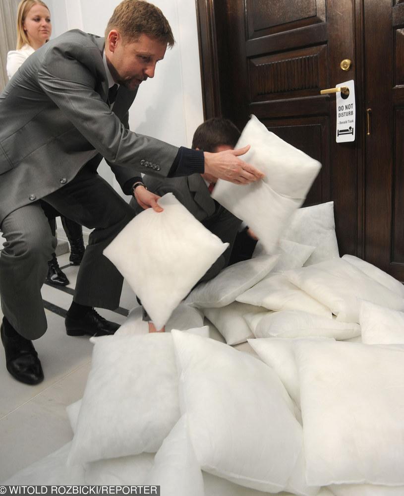 Migalski podczas jednej z akcji w Sejmie /Witold Rozbicki /East News