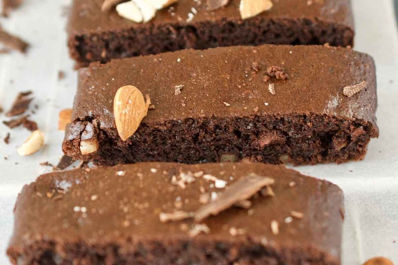 Migdałowe brownie /materiały prasowe