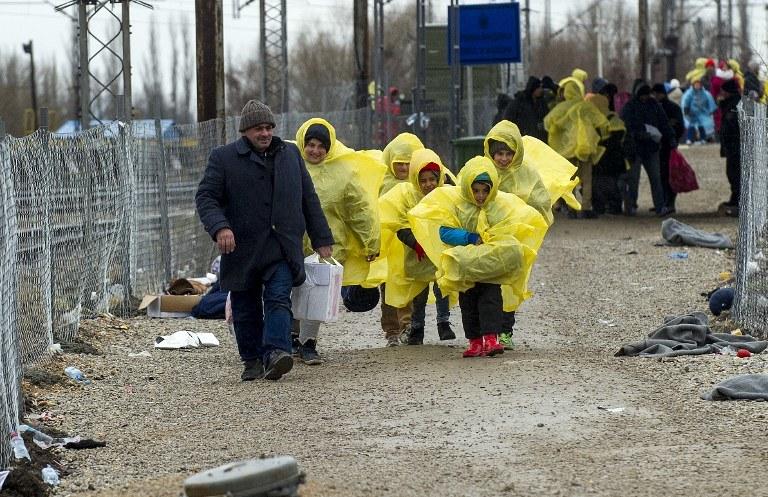Migranci i uchodźcy na serbsko-macedońskiej granicy /ROBERT ATANASOVSKI / AFP /AFP