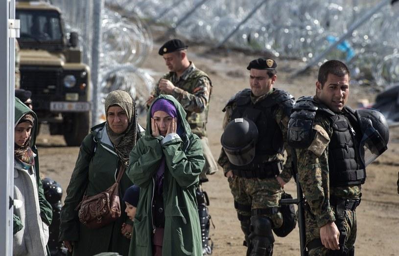 Migranci na granicy grecko-macedońskiej /GEORGI LICOVSKI /PAP/EPA
