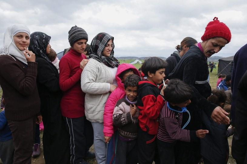 Migranci na granicy grecko-macedońskiej /VALDRIN XHEMAJ    /PAP/EPA