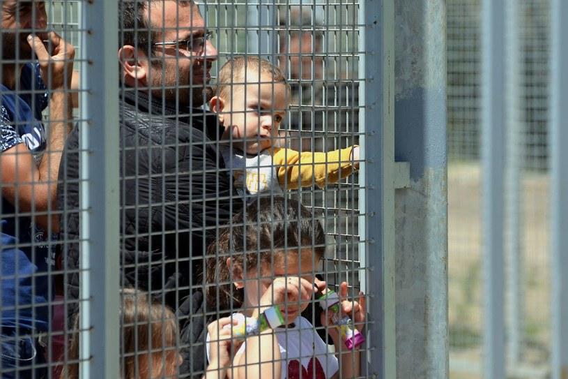 Migranci na granicy węgiersko-serbskiej /AFP