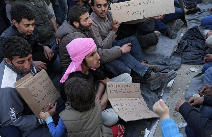 Migranci na grecko-macedońskiej granicy /ARMANDO BABANI  /PAP/EPA