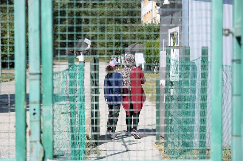 Migranci na Węgrzech; zdj. ilustracyjne /ATTILA KISBENEDEK/IW /AFP