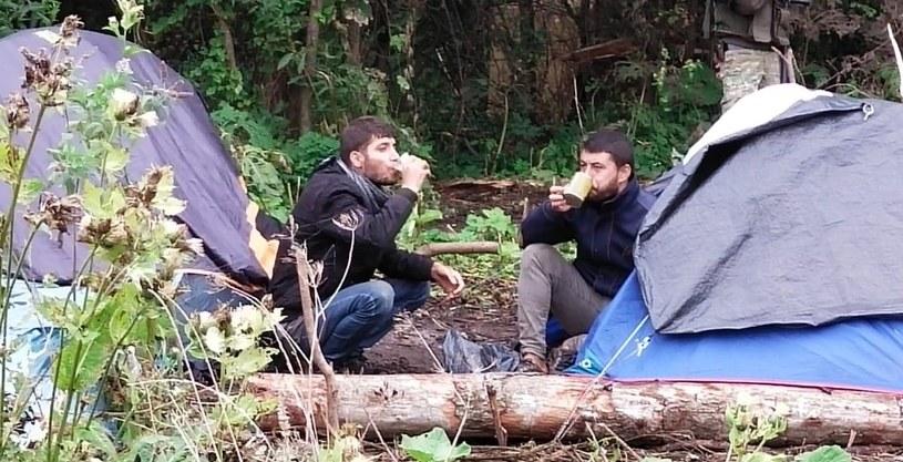 Migranci przy granicy z Polską koło Usnarza Górnego /Straż Graniczna /Twitter