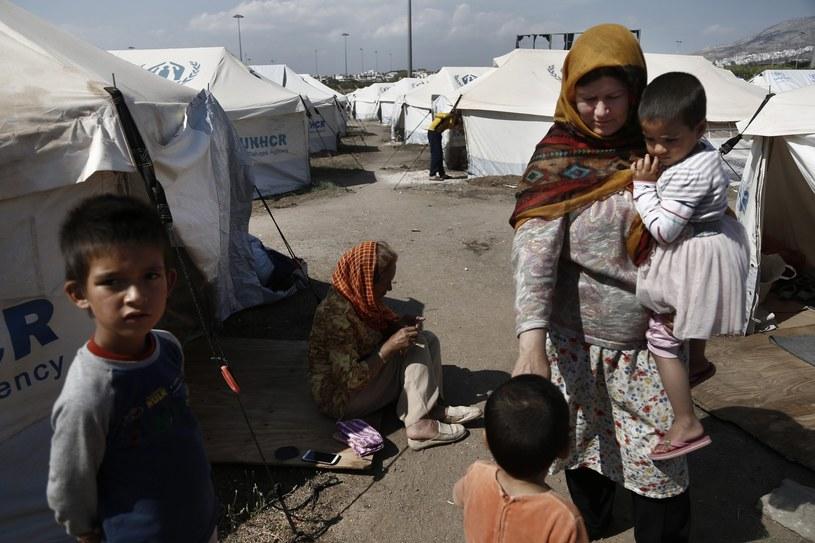 Migranci w Grecji, zdj. ilustracyjne /YANNIS KOLESIDIS /PAP/EPA