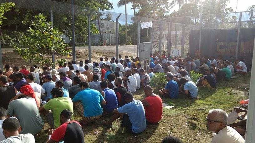 Migranci w obozie na wyspie Manus /PAP/EPA