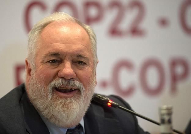 Miguel Arias Canete, unijny komisarz polityki klimatycznej i energetycznej /AFP