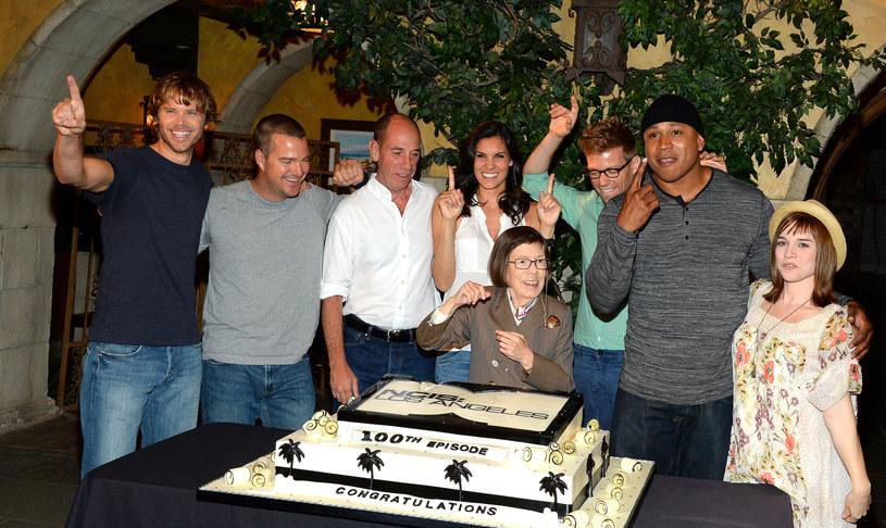 "Miguel Ferre z ekipą serialu ""NCIS: Los Angeles"" /Mark Davis /Getty Images"