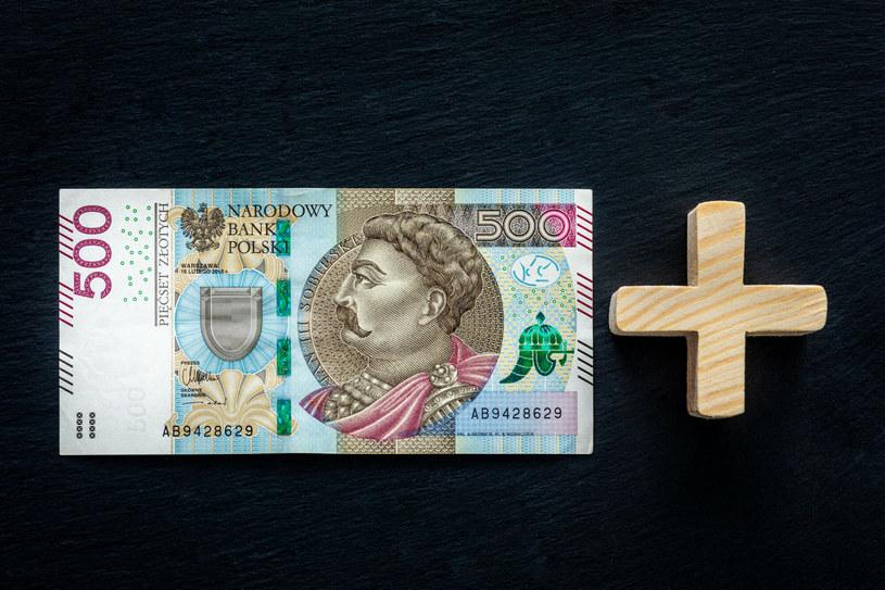 """Mija 5 lat od wprowadzenia programu """"Rodzina 500 Plus"""" /Arkadiusz Ziółek /East News"""