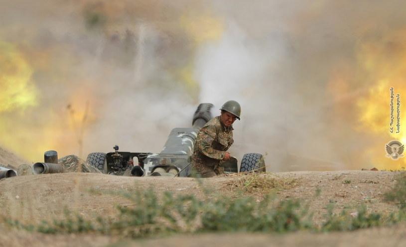 Mija czwarty dzień walk /ARMENIAN DEFENCE MINISTRY HANDOUT /PAP/EPA
