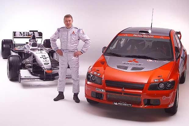 Mika i jego dwa pojazdy (kliknij) /INTERIA.PL