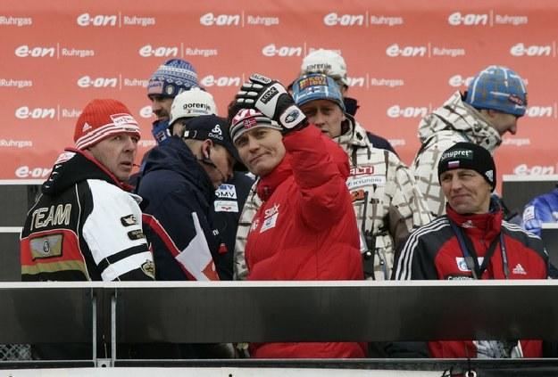 Mika Kojonkoski  (z środku) /AFP