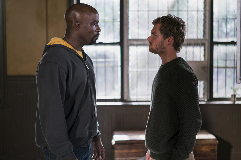 "Mike Colter i Finn Jones w ""The Defenders"" /Sarah Shatz/Netflix /materiały prasowe"