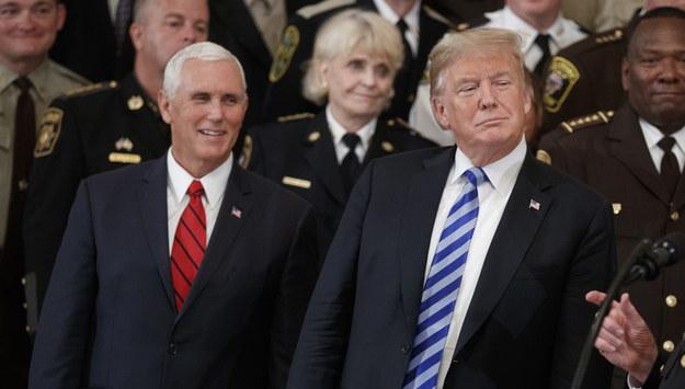 Mike Pence i Donald Trump /SHAWN THEW    /PAP/EPA