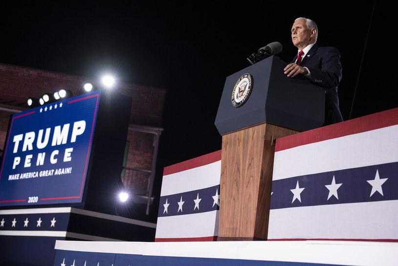 Mike Pence /PAP/EPA/KEVIN DIETSCH / POOL /PAP/EPA