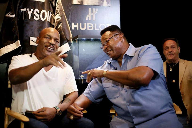 Mike Tyson i Larry Holmes /AFP
