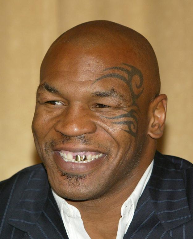 Mike Tyson odwiedzi we wrześniu Polskę /AFP