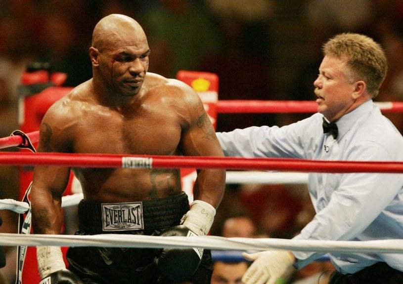 """Mike Tyson poniósł spektakularną porażkę z """"Busterem"""" Douglasem /Getty Images"""