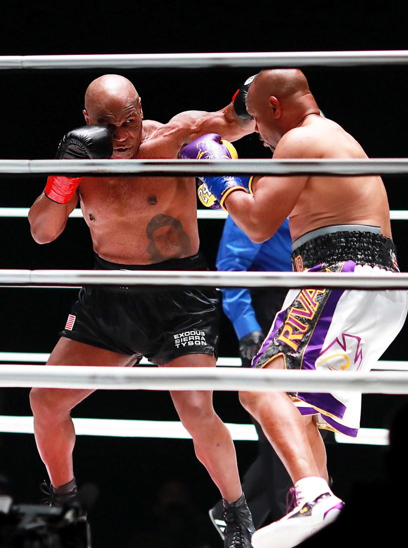 Mike Tyson w pojedynku z Royem Jonesem jr /PAP/EPA