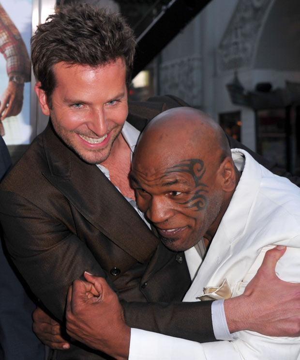 Mike Tyson z Bradleyem Cooperem, fot. Alberto E. Rodriguez  /Getty Images/Flash Press Media
