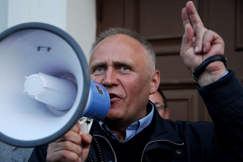 Mikoła Statkiewicz był inicjatorem nieuzgadnianego z władzami marszu opozycji w Mińsku /SERGEI GAPON /AFP