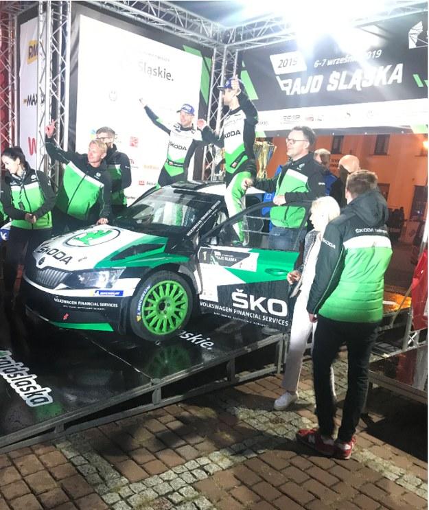 Mikołaj Marczyk i Szymon Gospodarczyk (Škoda Fabia R5) wygrali Rajd Śląska /Marcin Buczek /RMF FM