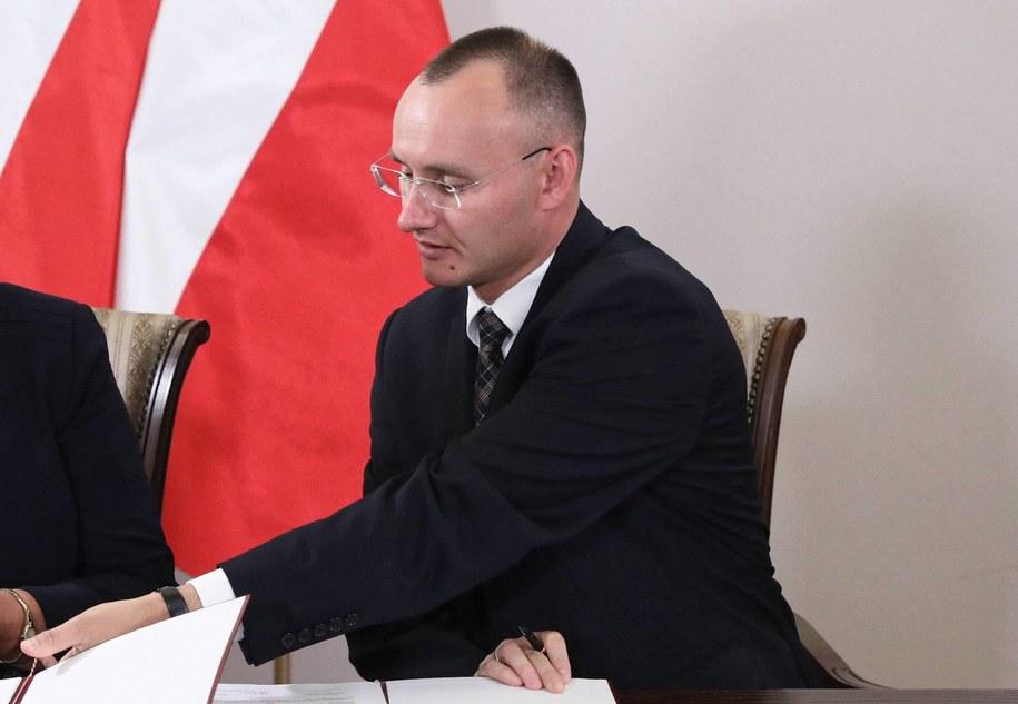Mikołaj Pawlak / Tomasz Gzell    /PAP