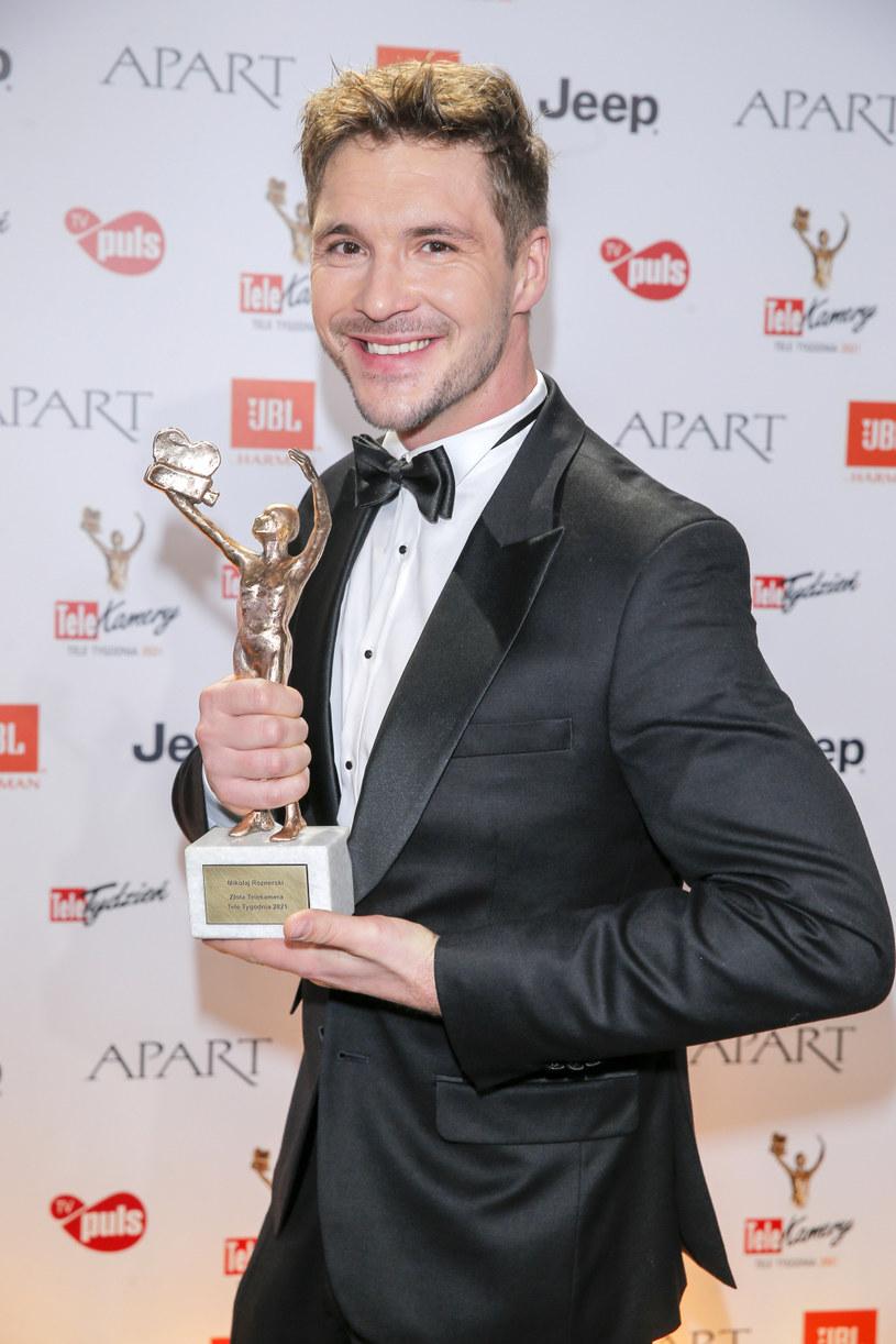 Mikołaj Roznerski to jeden z najpopularniejszych polskich aktorów /Podlewski /AKPA