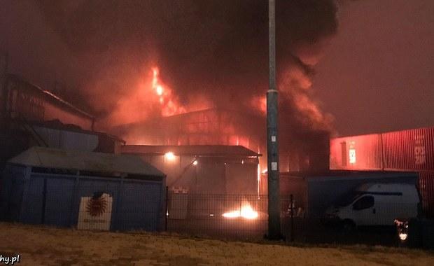 Mikołów: Pożar hurtowni zabawek przy ul. Gliwickiej