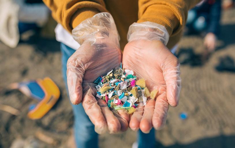 Mikroplastiki są wszędzie - i nam szkodzą /123RF/PICSEL