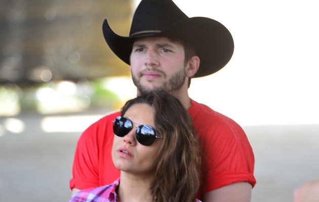 Mila Kunis i Ashton Kutcher niedawno zostali rodzicami /Frazer Harrison /Getty Images