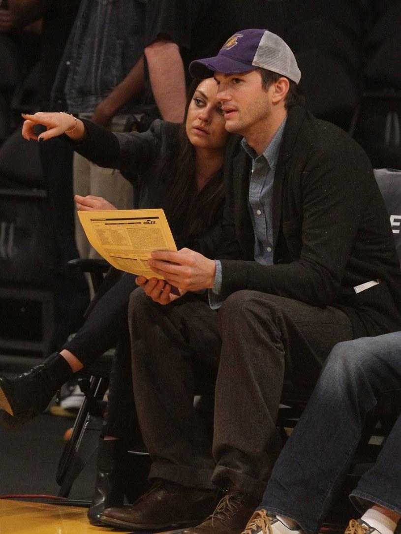 Mila Kunis i Ashton Kutcher /London Entertainment / Splash News /Splashnews