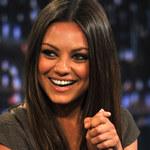 Mila Kunis poszła na bal z żołnierzem
