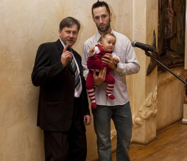 Milan Baranyk z córką Dominiką i prezesem MMKS Podhale Janem Gaborem. Fot. Tadeusz Bącal. /INTERIA.PL