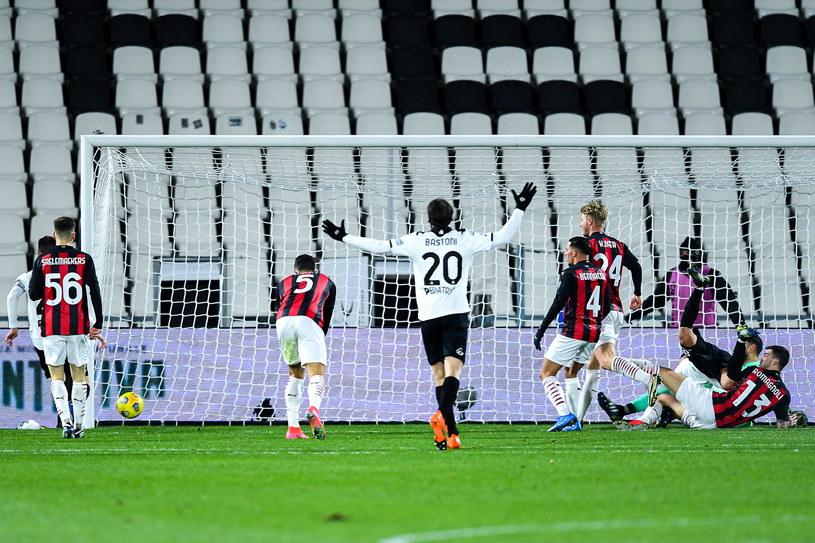 Milan niespodziewanie przegrał ze Spezią /SIMONE ARVEDA /PAP/EPA