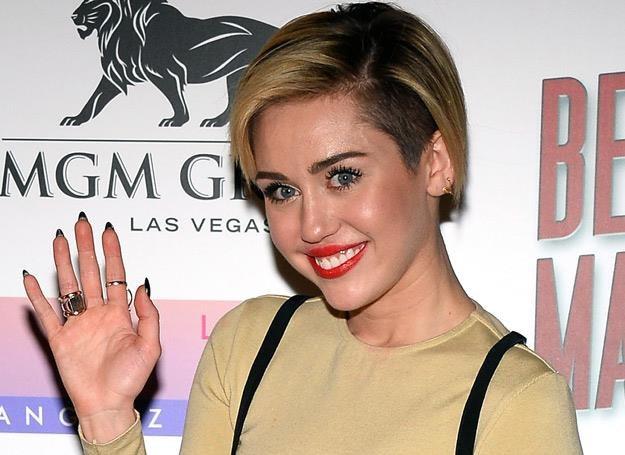 Miley Cyrus bryluje na salonach jako singielka - fot. Ethan Miller /Getty Images/Flash Press Media