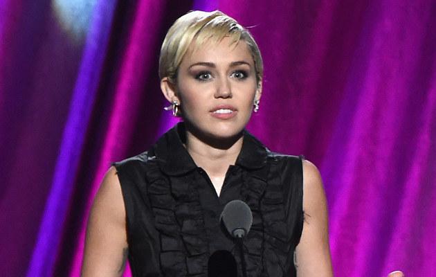 Miley Cyrus chudnie w oczach! /Mike Coppola /Getty Images