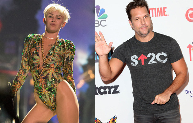 Miley Cyrus i Dane Cook /Christopher Polk, Frederick M. Brown /Getty Images
