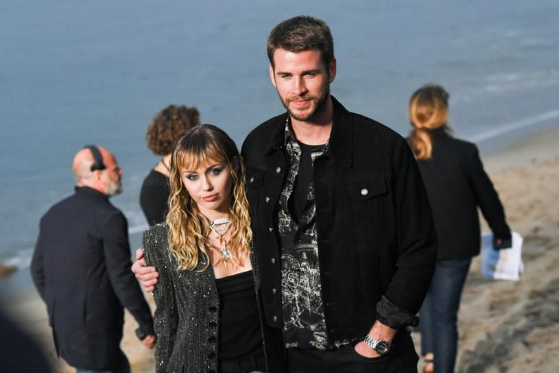 Miley Cyrus i Liam Hemsworth podjęli decyzję o rozstaniu /Getty Images