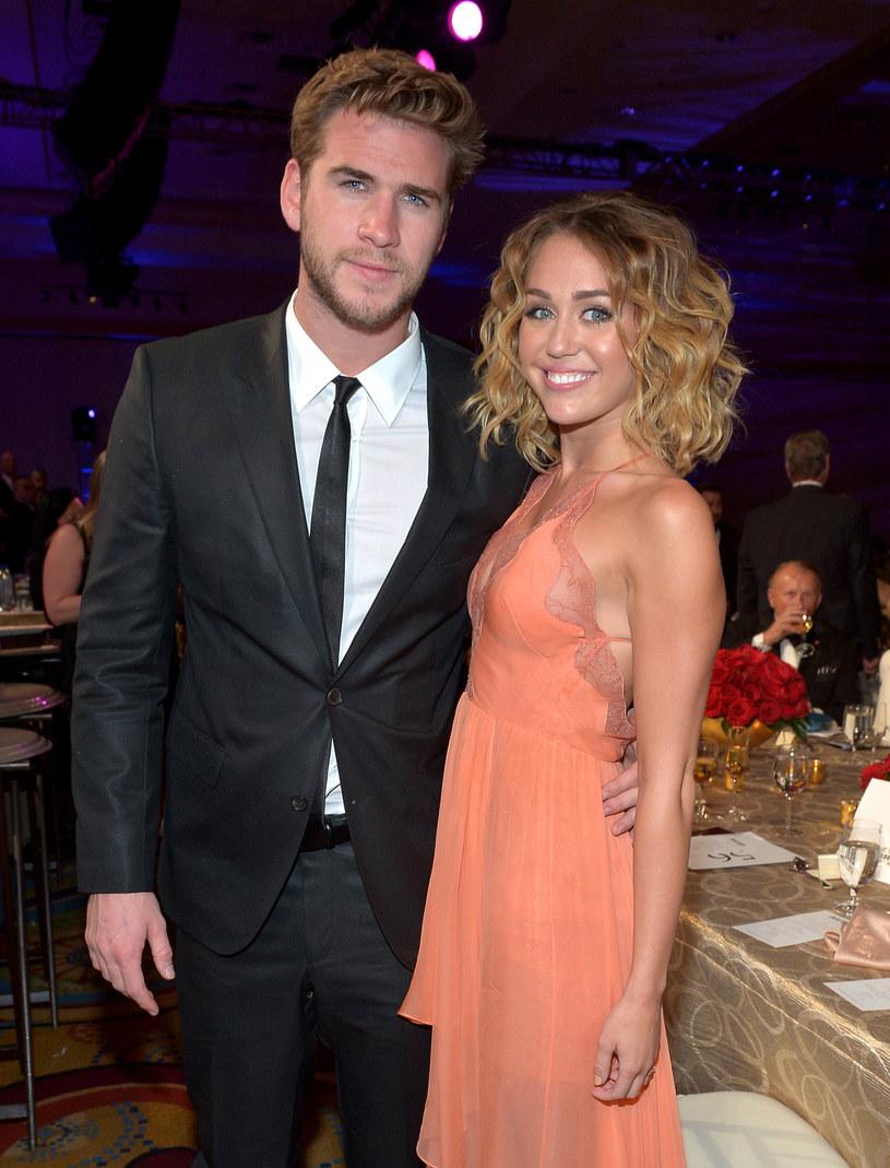 Miley Cyrus i Liam Hemsworth /charley ga /Getty Images