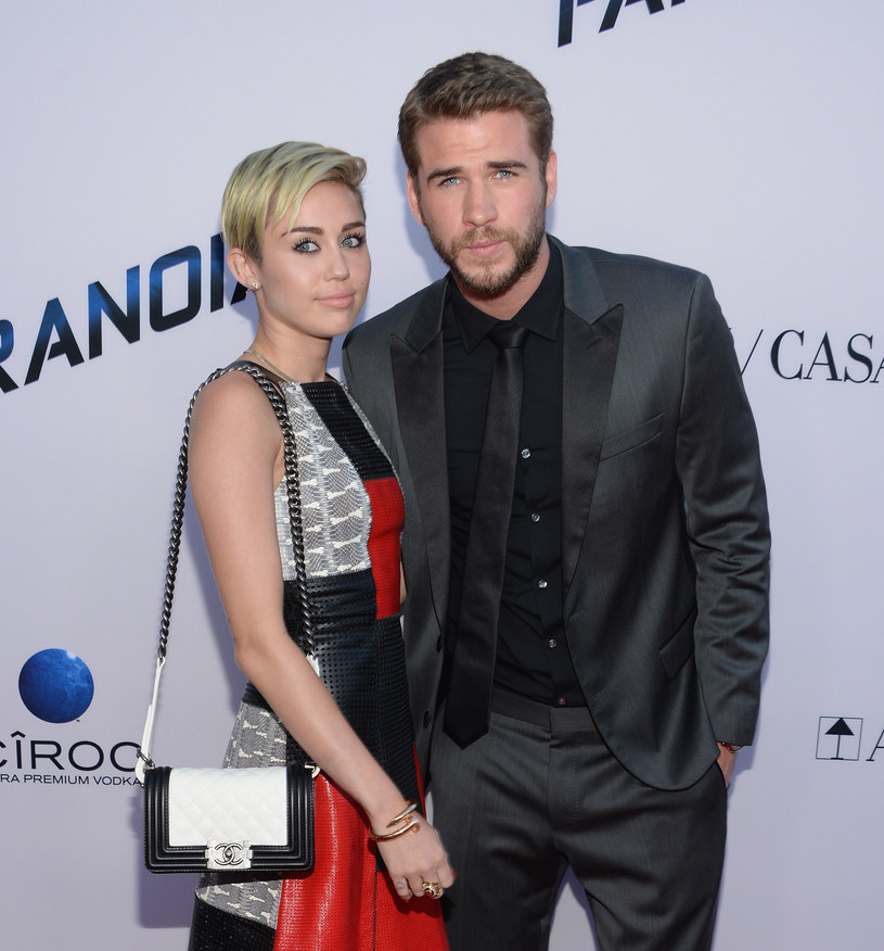 Miley Cyrus i Liam Hemsworth /Jason Kempin /Getty Images