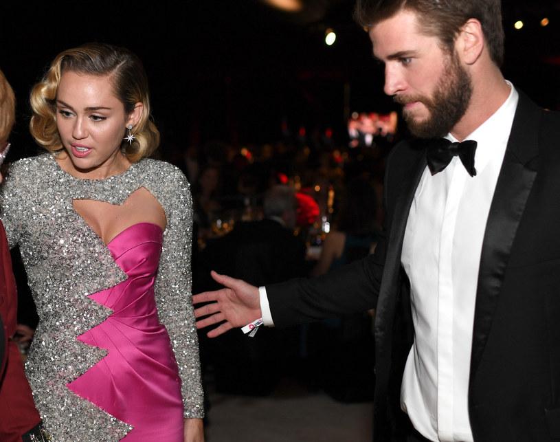 Miley Cyrus i Liam Hemsworth /Dimitrios Kambouris /Getty Images