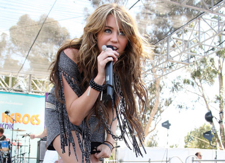 Miley Cyrus na scenie / fot. Frederick M. Brown /Getty Images/Flash Press Media