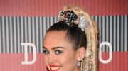 Miley Cyrus nie chce nosić pierścionka zaręczynowego