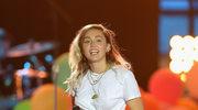 Miley Cyrus prawie nago na okładce książki