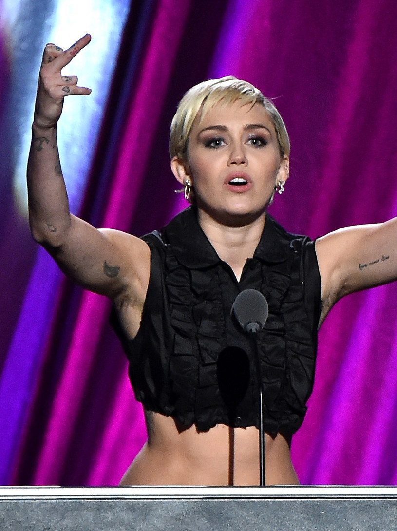 "Miley Cyrus przed ""metamorfozą"" /Mike Coppola /Getty Images"